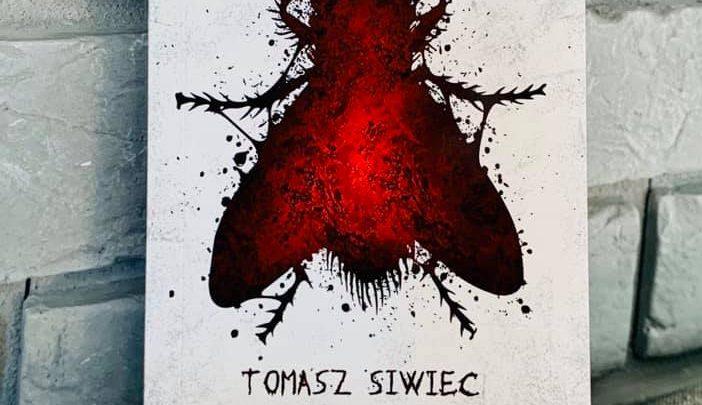 """""""Muchy"""" Tomasz Siwiec – Kolejna plaga nawiedza Suchą Beskidzką, czy tym razem muchy pokonają mieszkańców?"""